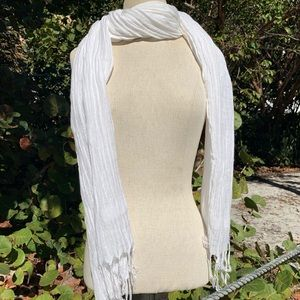 White cotton and linen scarf